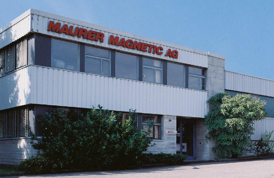 Complexe de bâtiments de Maurer Magnetic - Département des aimants en général, des aimants permanents et des systèmes d'aimants.